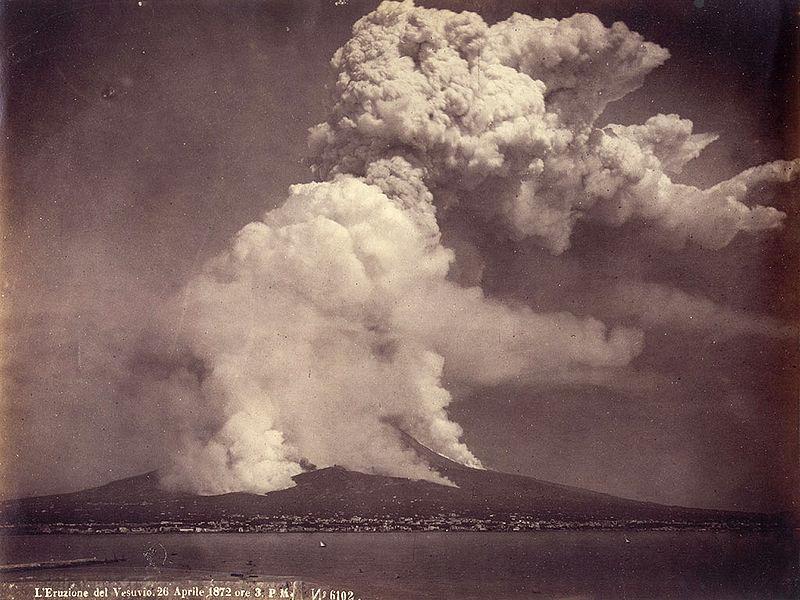 Giorgio-Sommer (1834-1914) Eruzione del Vesuvio 26 Aprile1872 ore 3 P.M., vista da Napoli. N. di catalogo 6102.