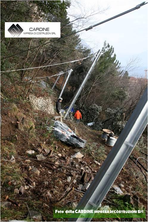 FOTO 6, realizzazione barriere paramassi (foto della CARDINE SRL LAVORI IN QUOTA)
