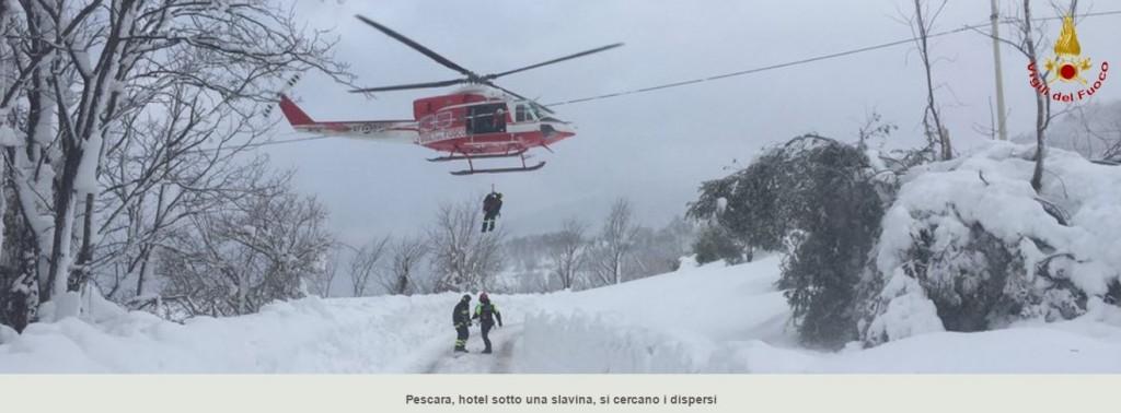 Foto 1 - Soccorsi all'albergo Rigopiano, sommerso da una valanga innescatasi a seguito del sisma del 18 gennaio