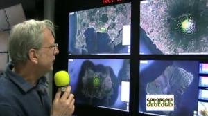 de-natale-illustra-la-sala-monitoraggio-schermi-aree-vulcaniche