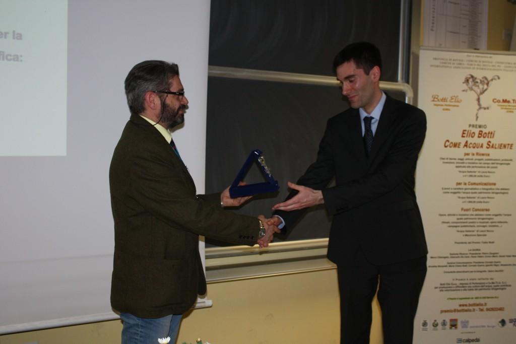 Premiazione ad Alessandro Calzoni