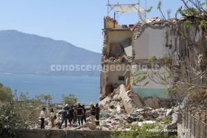 foto 4 - Crollo della palazzina a Torre Annunziata