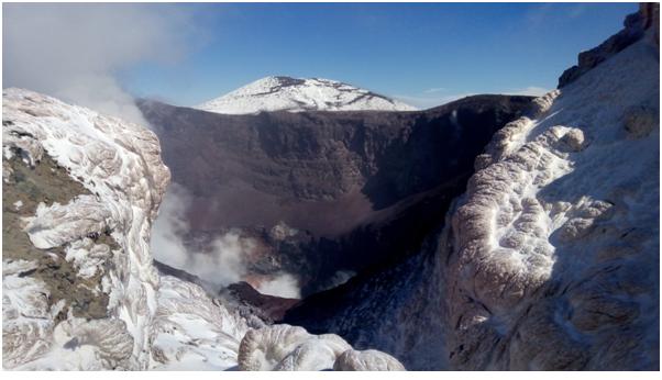 Figura 1: il cratere di nord-est, ripreso il 10 marzo 2018