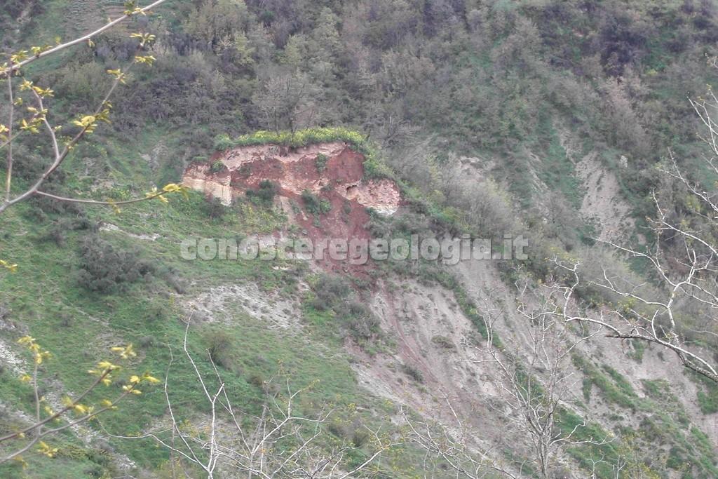 Civita di Bagnoregio - particolare del tufo sulle argille