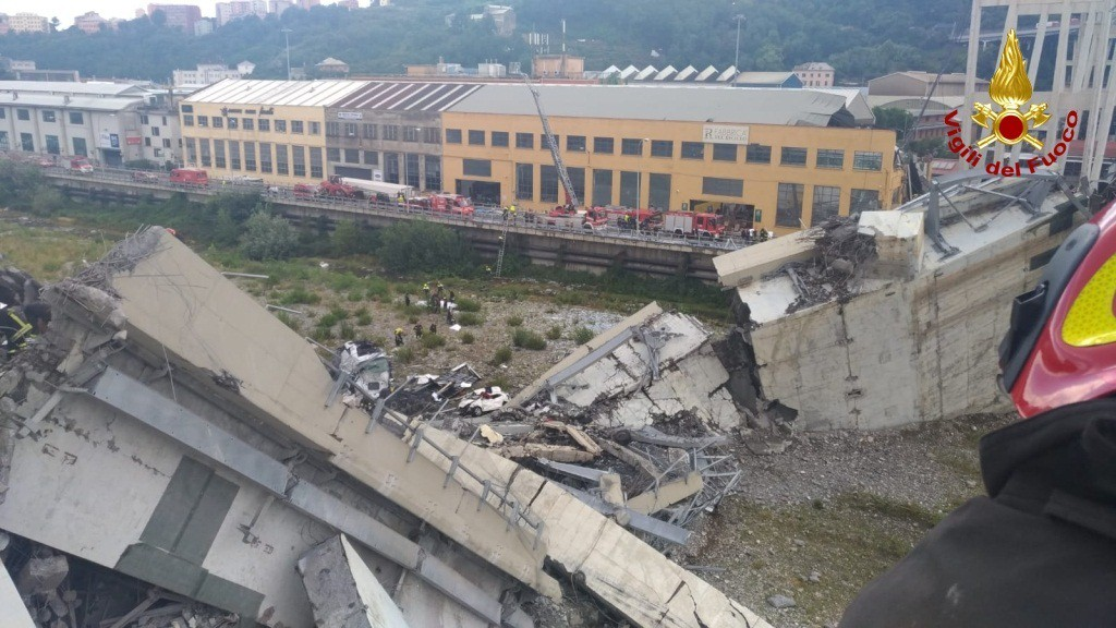 Crollo Ponte Morandi (da vigilfuoco.it)
